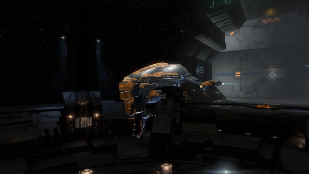 EVE Online Heavy Interdictor Schiff auf der Station